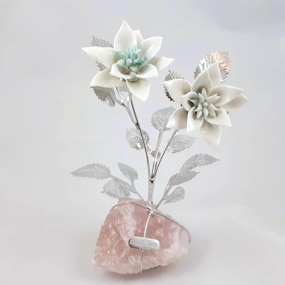 Stella Di Natale Bianca.Doppia Stella Di Natale In Argento E Porcellana Bianca Su Quarzo Rosa