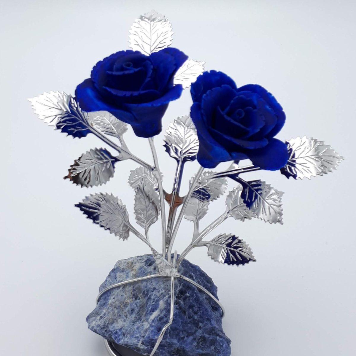 Doppia Rosa Blu In Argento E Porcellana Su Quarzo Blu